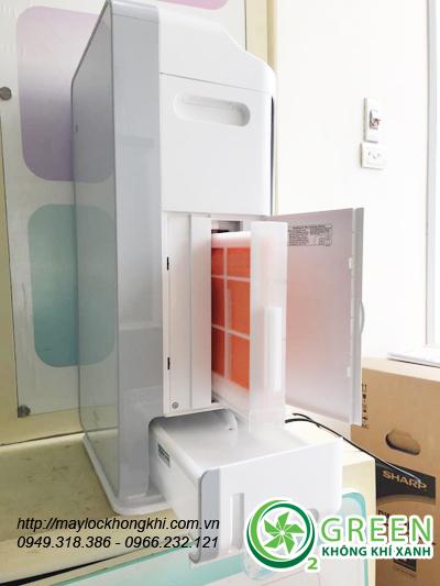 Máy lọc không khí và tạo ẩm Hitachi ep-m70e mặt hông với màng lọc tạo ẩm và bình chứa nước