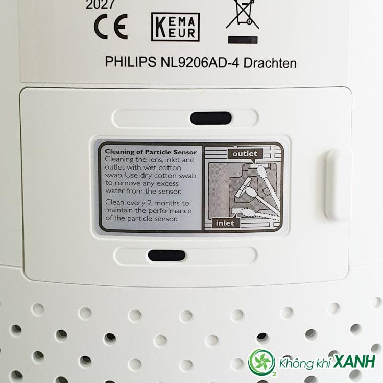 Cảm biến bụi được đặt ở mặt sau của máy lọc không khí Philips AC0820/10 series 800 (Ảnh chụp sản phẩm thật tại Không Khí XANH)